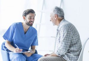 Paciente y psicólogo en centro de psicología Móstoles